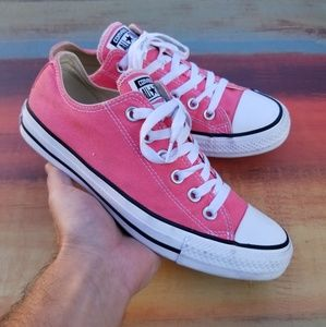Women's Converse All-Star Low Top Sneakers - sz 8